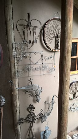 The Bus Stop Arts & Crafts & Coffee Shop: Creative wire wall hangings for sale and various gift ideas for house and garden