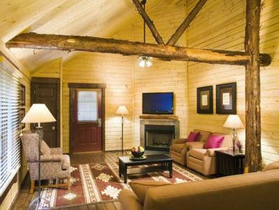 Shenandoah Crossing: our beautiful living room