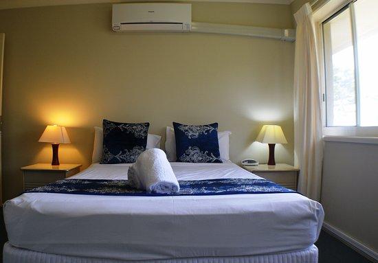 Torquay, Australien: Main Bed - Ocean View Apartment