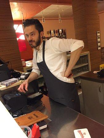 Valdagno, إيطاليا: Bella gente divertimento sicuro, cameriera bella e brava, pizzaiolo giovine e preparato , titola