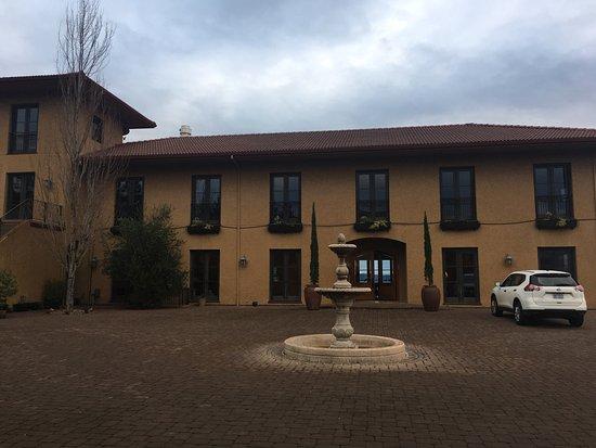Black Walnut Inn & Vineyard: photo1.jpg