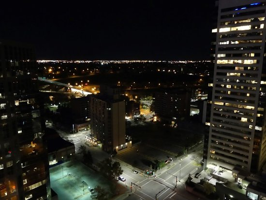 International Hotel and Spa Calgary: Night view from Room 2901.