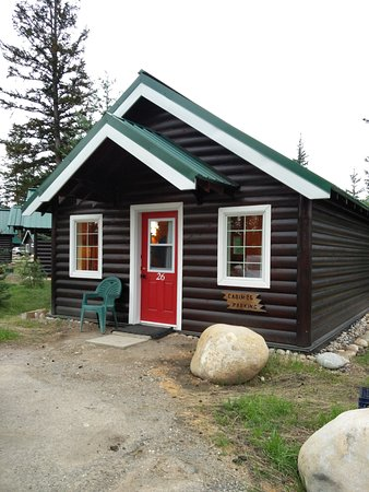 Pine Bungalows: New, Rebuilt Cabin