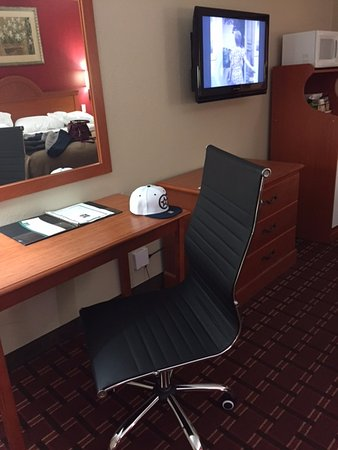 Chair Upgrade Picture of Quality Inn Marshall Marshall