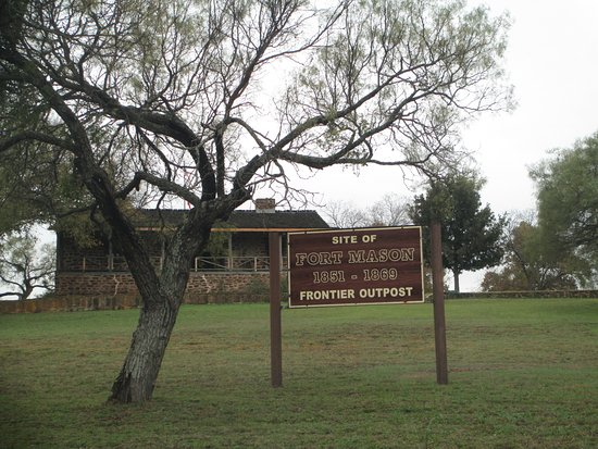 Ft. Mason Site sign and back view of the Officer's Quarters.