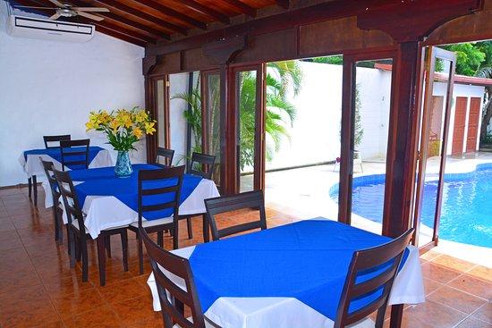 Angel Azul Hotel Boutique: Area del comedor con aire acondicionado donde también puede disfrutar su desayuno