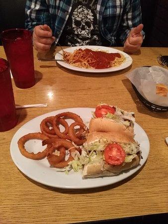 Stony Creek, VA: Salad and sandwich