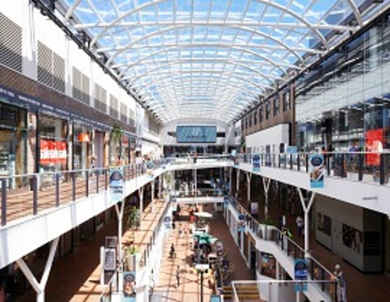 Drummoyne, Australia: The Atrium - Birkenhead Point Outlet Centre