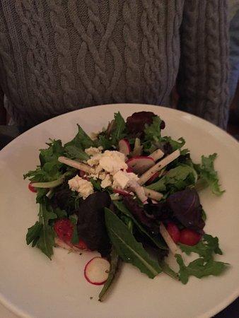 Bistro at Ten Acres : Mesclun Salad
