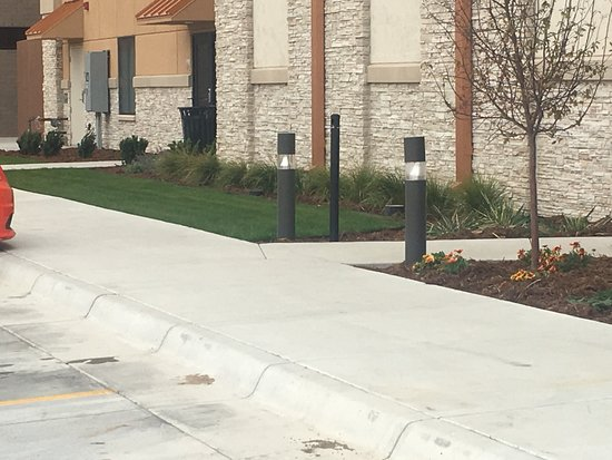 Garden City, KS: Landscaping