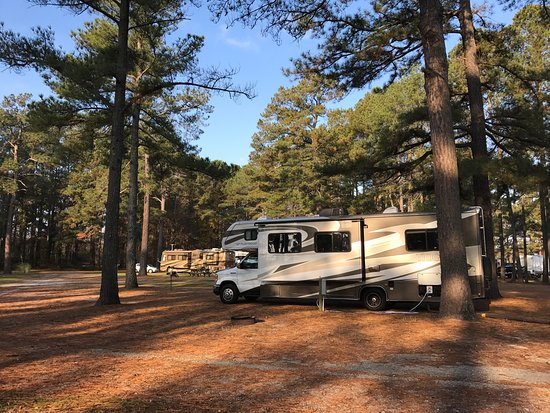 RV Parks in Enfield, Connecticut - Top 17 Campgrounds near
