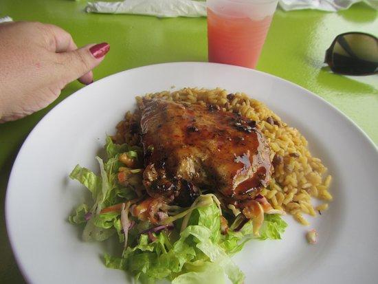 Nevis: Chicken