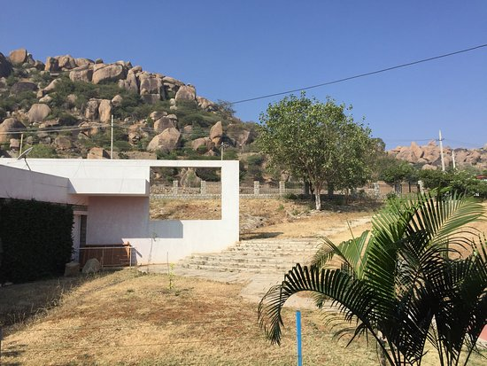 Yatri Nivas Hotel