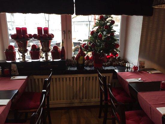 Weihnachtliche Atmosphäre in Trattoria al Ponte