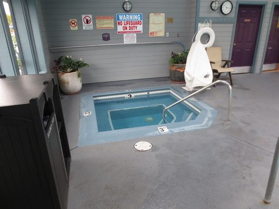 Best western arcata inn californien motel for Hotel jacuzzi 13