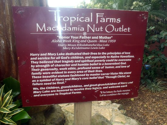 Kaneohe, HI: Tropical Farms Macadamia Nut Outlet sign