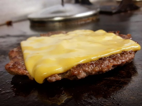 Omagh, UK : No such thing as just a Cheeseburger at Philly's
