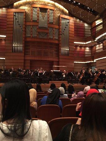Dewan Filharmonik Petronas: ステージ(演奏が始まると撮影禁止です)もとても立派です