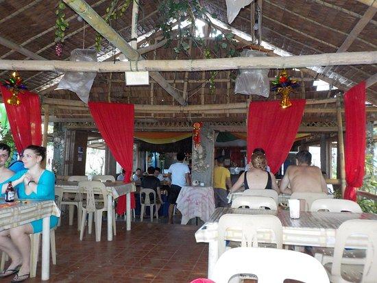 Puka Grande Restaurant: locale grande
