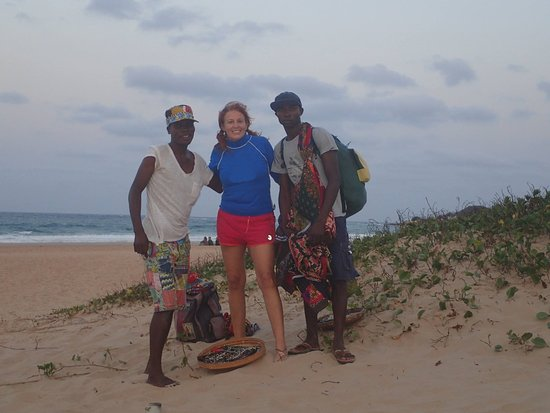 Tofo, Mozambik: Beautiful beach with new friends