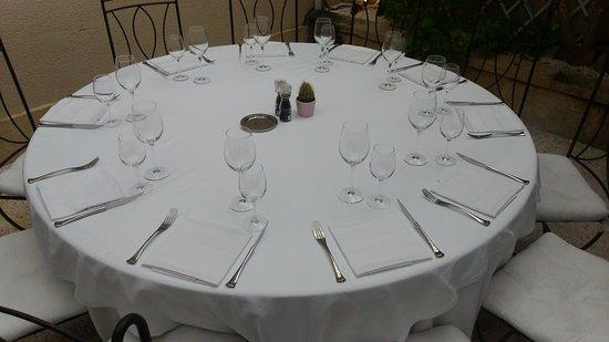Margaux, Frankrike: Table bien dressée, élégante
