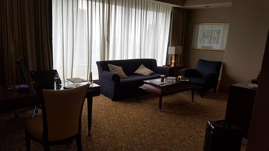 The Ritz-Carlton Jakarta, Mega Kuningan: 20161013_104520_large.jpg