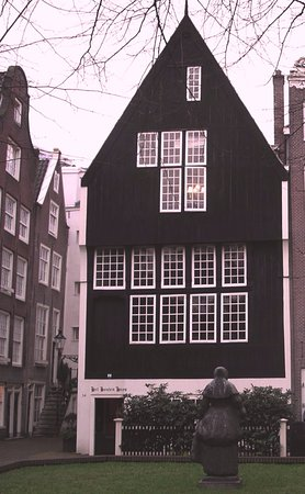 Houten Huys (Wooden House)