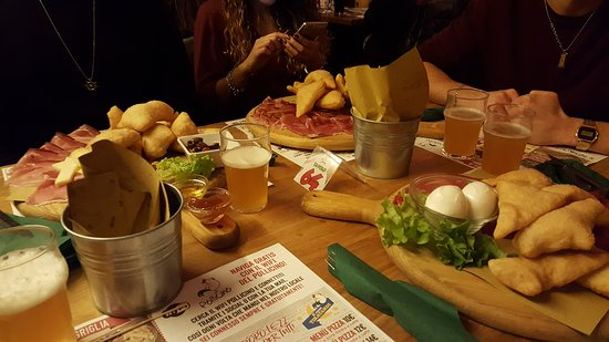 Bresso, Italien: 20161126_215438_large.jpg