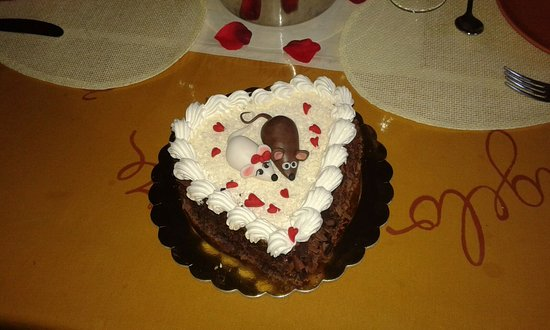 Монтемерано, Италия: foto della torta per il mio topolino...buonissima....