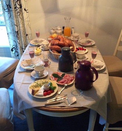 Mook, Nederland: Zeer uitgebreid ontbijt