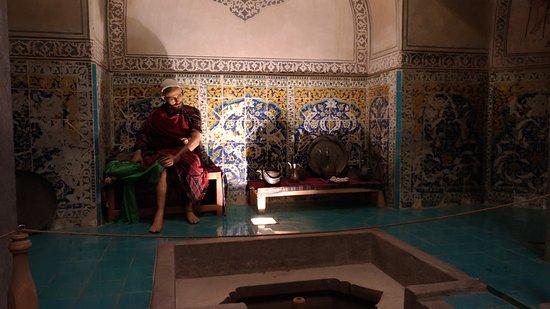 Hamam-e Ali Gholi Agha: Una escena