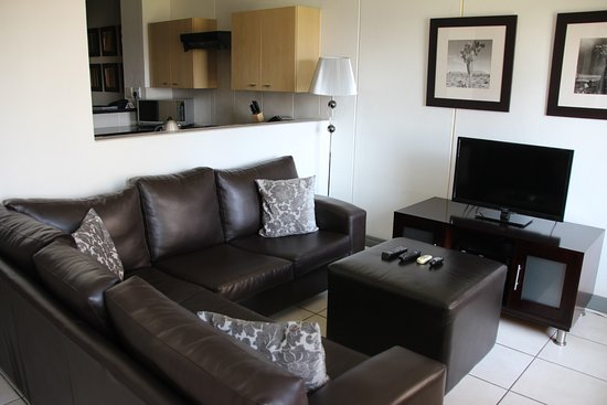 Westpoint Executive Suites: Living room