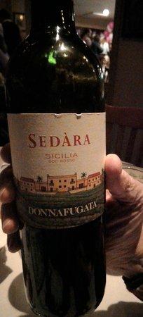 Tesoro Ristorante: Nero D'avola wine