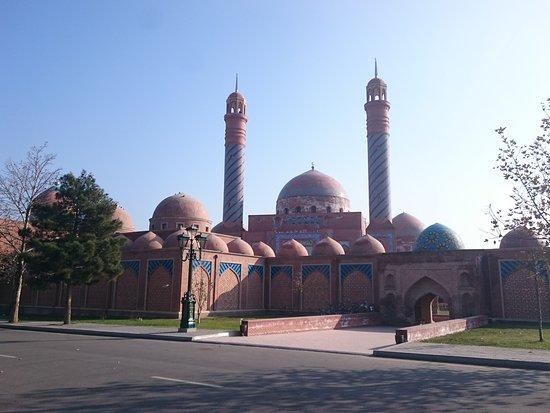 Ganja, Αζερμπαϊτζάν: DSC_2067_large.jpg