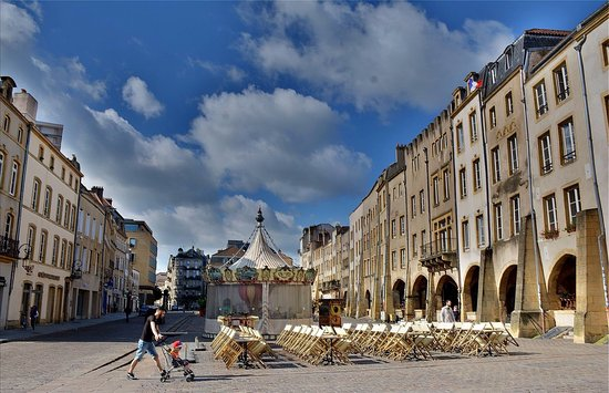 la place st louis photo de place saint louis metz tripadvisor. Black Bedroom Furniture Sets. Home Design Ideas