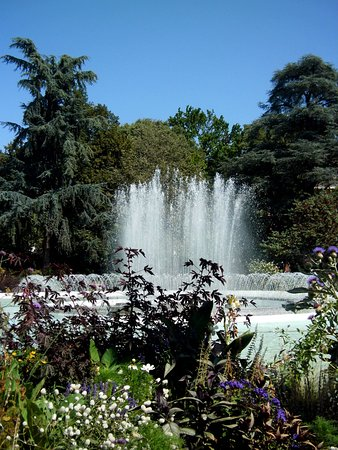 Le bassin fontaine - Photo de Jardin du Grand Rond, Toulouse ...