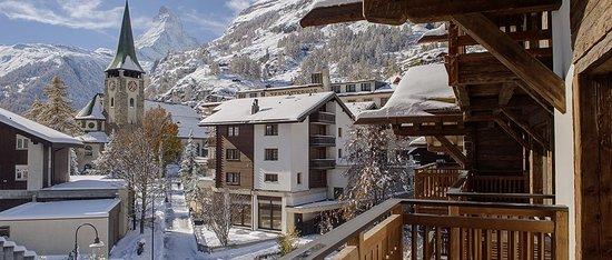 Matterhorn Lodge: Blick zum Matterhorn vom Balkon