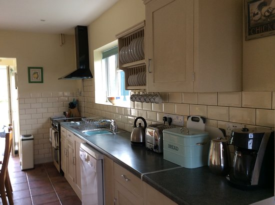 Castle Cary, UK: Lone Oak kitchen