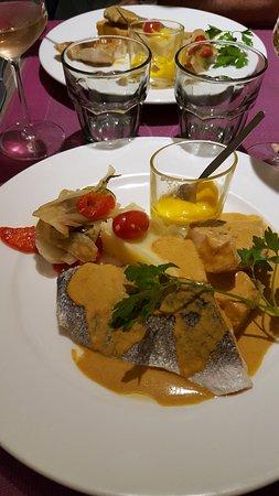 Besse-sur-Issole, France: duo de poissons