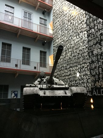 House of Terror Museum: Entre