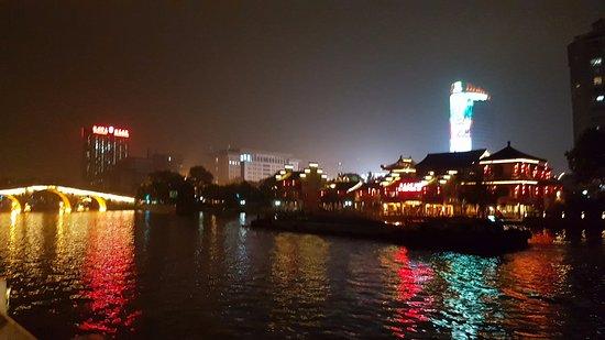 Best Western Hangzhou Meiyuan Hotel: Tur langs kanalen