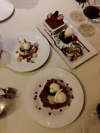 Tustin, Kalifornien: Deserts to die for.