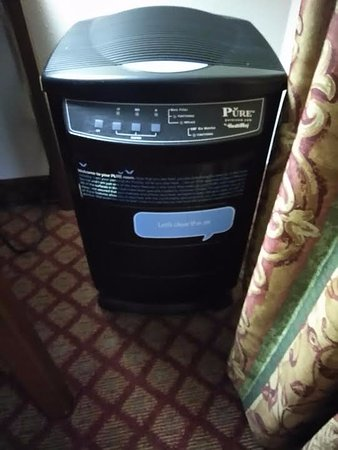 Lecanto, FL: Air Purifier