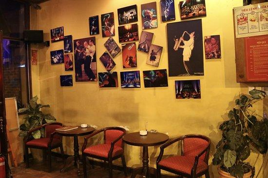 Sax N Art Jazz Club: Posters outside the club.