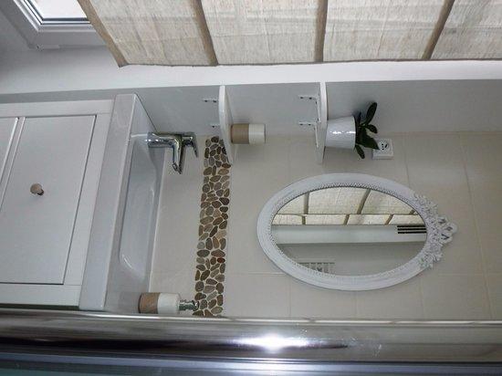 Noisy-le-Grand, Γαλλία: salle de bains de la chambre 2