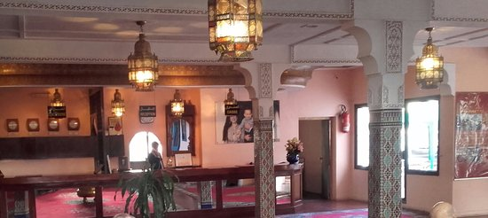 Hotel Ahlen Tangier: Reception area