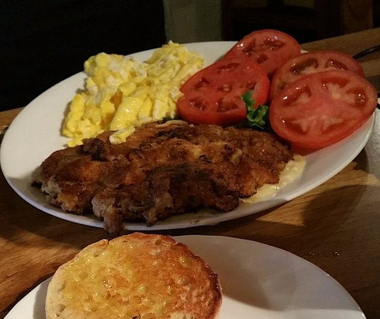 Atascadero, CA: Chicken Fried Steak with Tomatoes