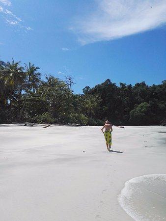 Boca Chica, Panama: Una playa aislada de una de las islas paradisiacas de la zona