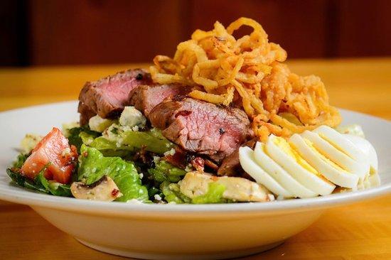 Eveleth, MN: Steakhouse Salad!!