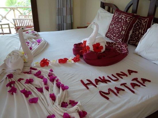 décor de notre chambre un matin - Bild von Uroa Bay Beach ...